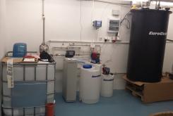 Zostava pre úpravu vody - Zmäkčovače AquaSoftener a úpravne AquaDos pre dezinfekciu vody - menšia prevádzka
